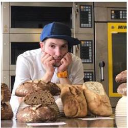 Tecniche avanzate di sfogliatura: Croissant sfogliati e Baguette parigina – Corso a Milano con Alain Locatelli